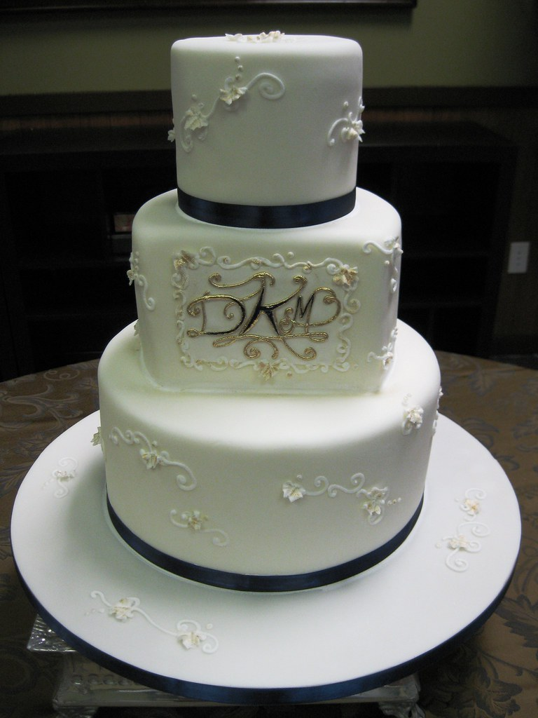 navy and gold monogram wedding cake flickr. Black Bedroom Furniture Sets. Home Design Ideas