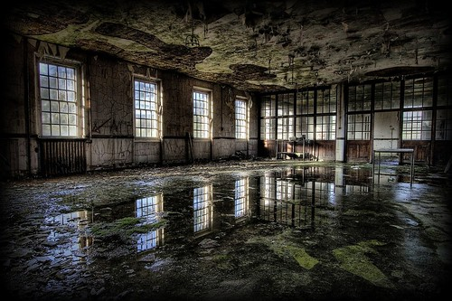 window reflections | by urbex-bassie