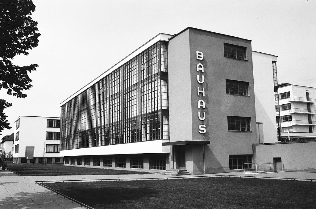 Bauhaus dessau germany nate robert flickr for Bauhaus design hauser