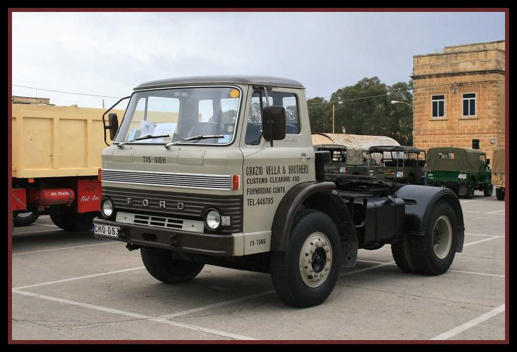 Ford D series D1000 Custom Cab
