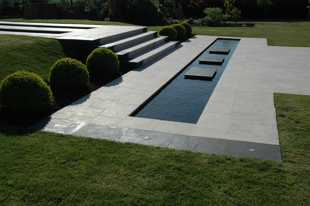Minimalist garden visually the finished look is one of for Minimalist landscape design