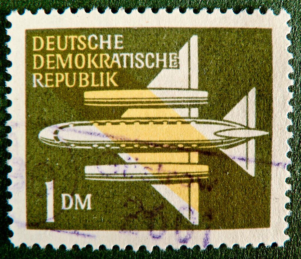 stamp ddr gdr 1 dm green flyer aircraft stamp east germany. Black Bedroom Furniture Sets. Home Design Ideas