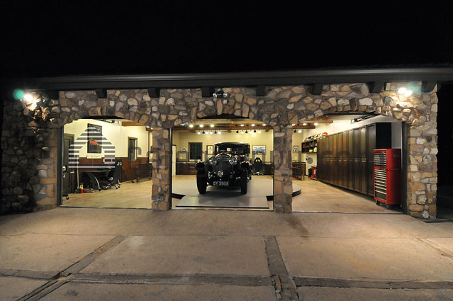 Jay leno 39 s garage exterior after 1 jaime dietenhofer for Garage new s villejuif