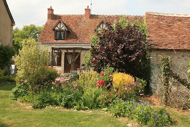 Un petit tour dans le jardin de monic 41 marchenoir for Avoir des poules dans un petit jardin