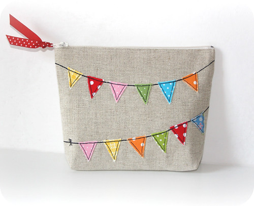 Fun Summer Bunting Pouch | by pilli pilli