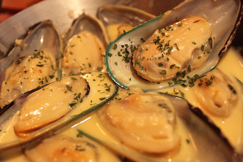 how to cook mussels garlic butter