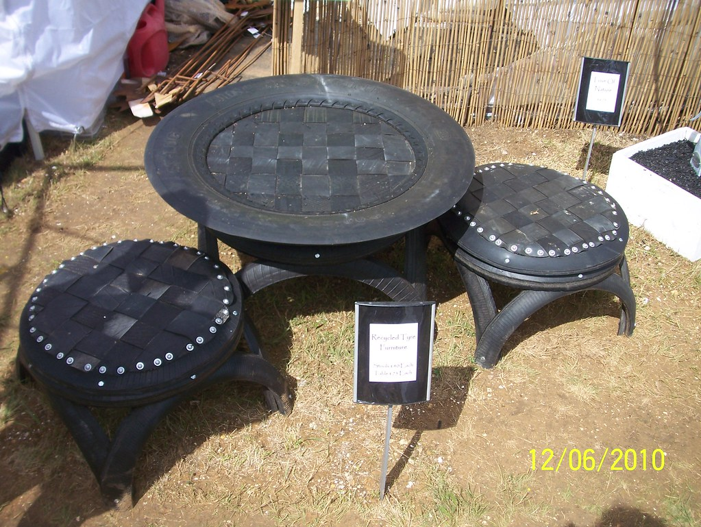Recycled tyre table and chairs leonora ellie enking for Tyre furniture