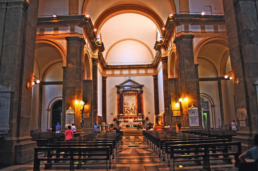 Cattedrale frascati interno cattedrale di san pietro for Interno san pietro
