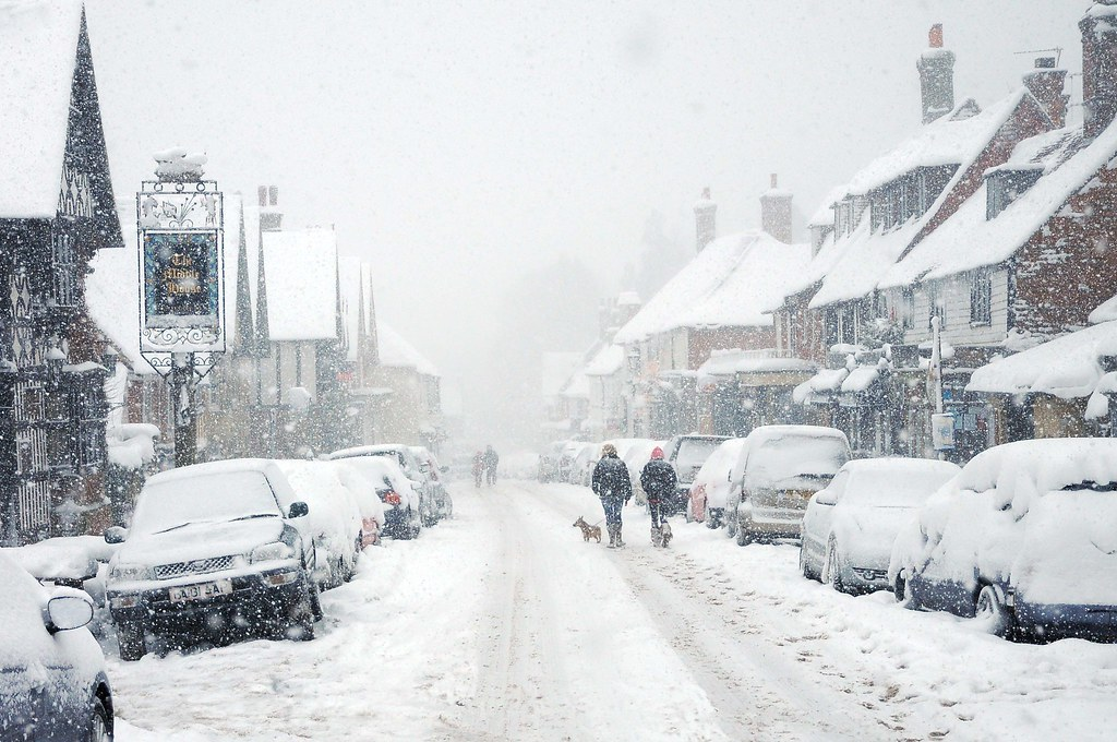 Snowfall in Mayfield High Street