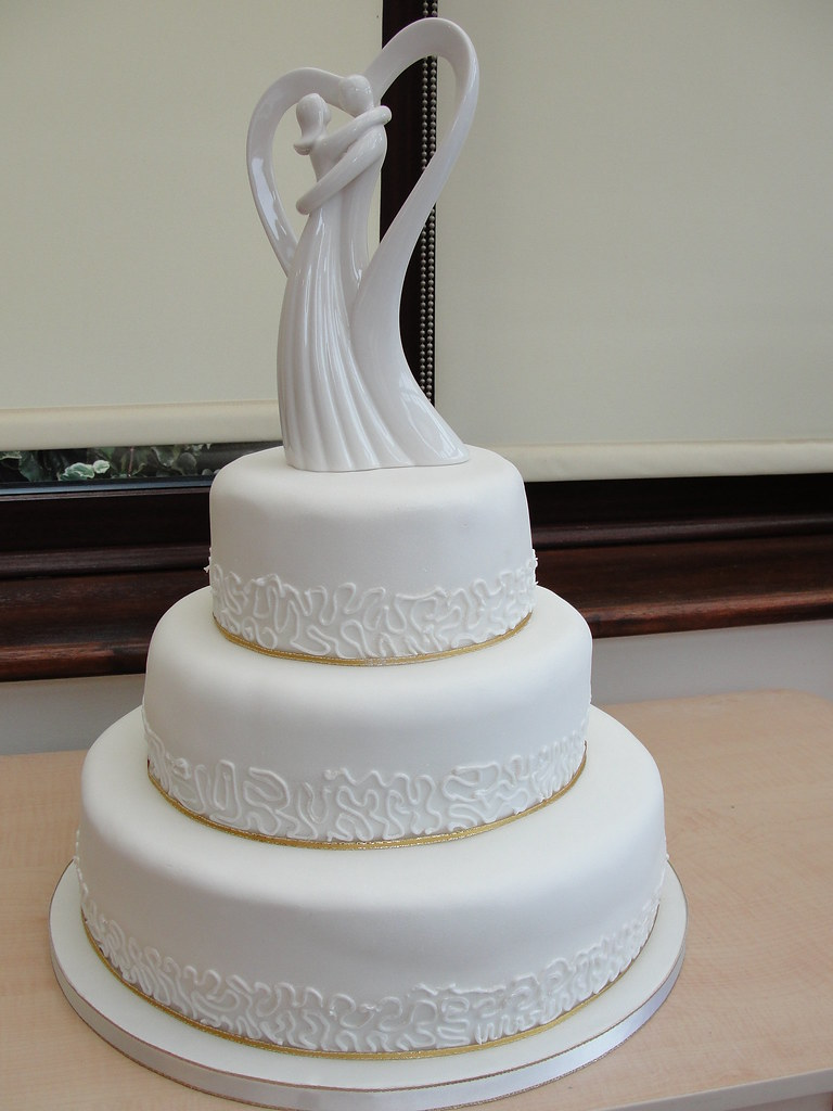 wedding cake peterborough 3tiers wedding cake white with figures ange s cakes 23414