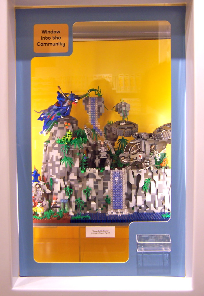 Finished installation! | On display at Lego Ala Moana Store,… | Flickr