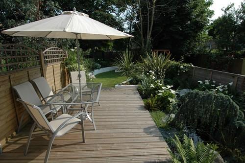 Long thin chic contemporary garden in leytonstone london for Garden design ideas long thin