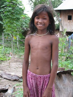 Khmer girl | I asked a group of local kids to pose for me ...