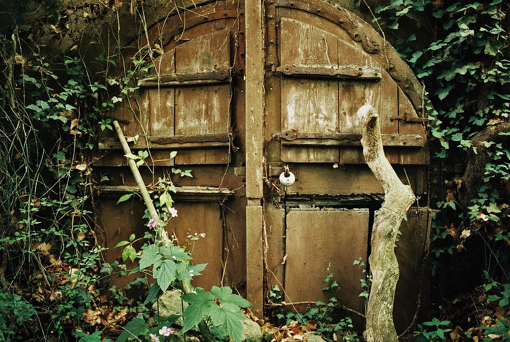 The Hobbit S Door I M Very Fond Of The Rounded Cellar