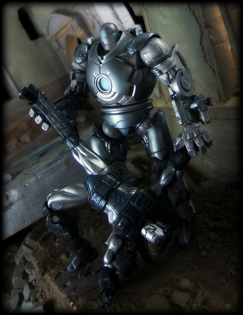 hasbro iron man 2 war machine vs iron monger ed speir