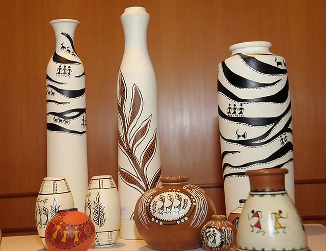 Terracotta Vases Decorated With Warli Paintings Kala Tarang Flickr