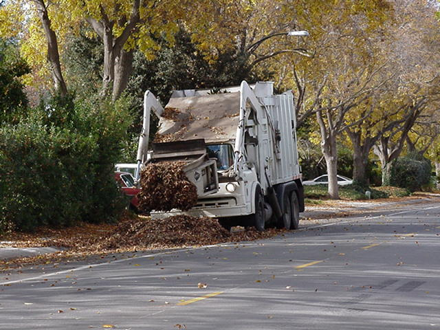 New Ford Truck >> Palo Alto, Ca Leaf Collector Truck | A photo sent to me ...