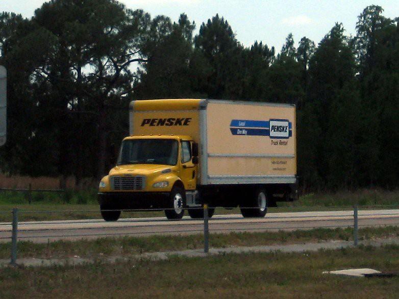 Penske Freightliner M2 106 Rental Box Truck with Lift-gate ...