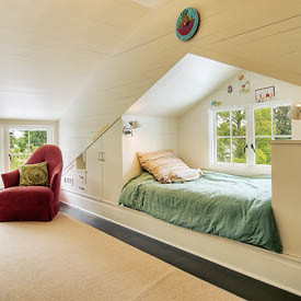 attic bed using wall for built in storage the estate of things flickr. Black Bedroom Furniture Sets. Home Design Ideas
