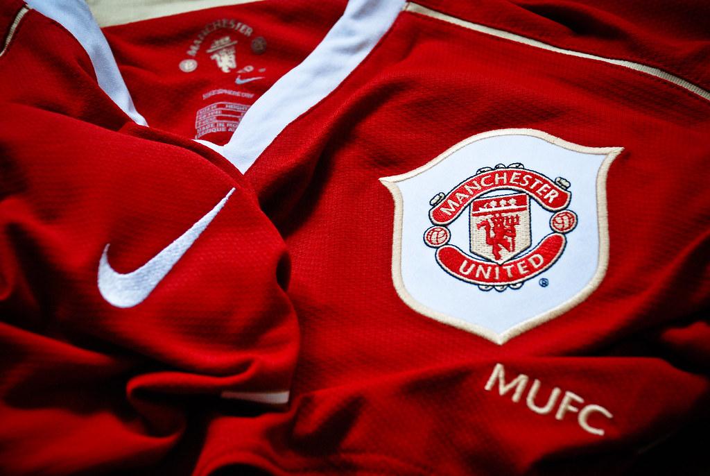 manchester united 2006  07 home kit