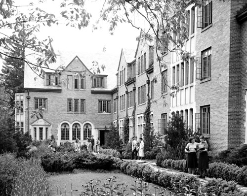 Mary Mayo Hall 1940 Students Stand In The Courtyard Of