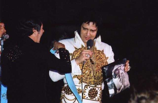 Elvis Presley Live in ...