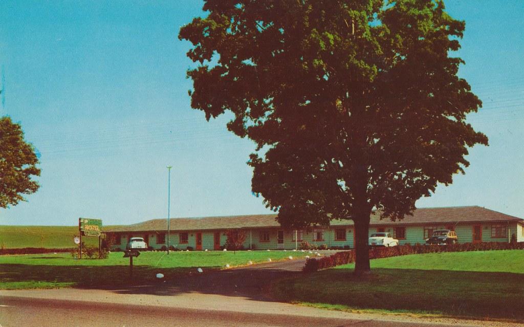 The Stratford Motel - East Avon, New York