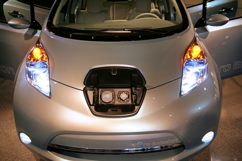 nissan leaf slated for launch in late 2010 in japan the. Black Bedroom Furniture Sets. Home Design Ideas