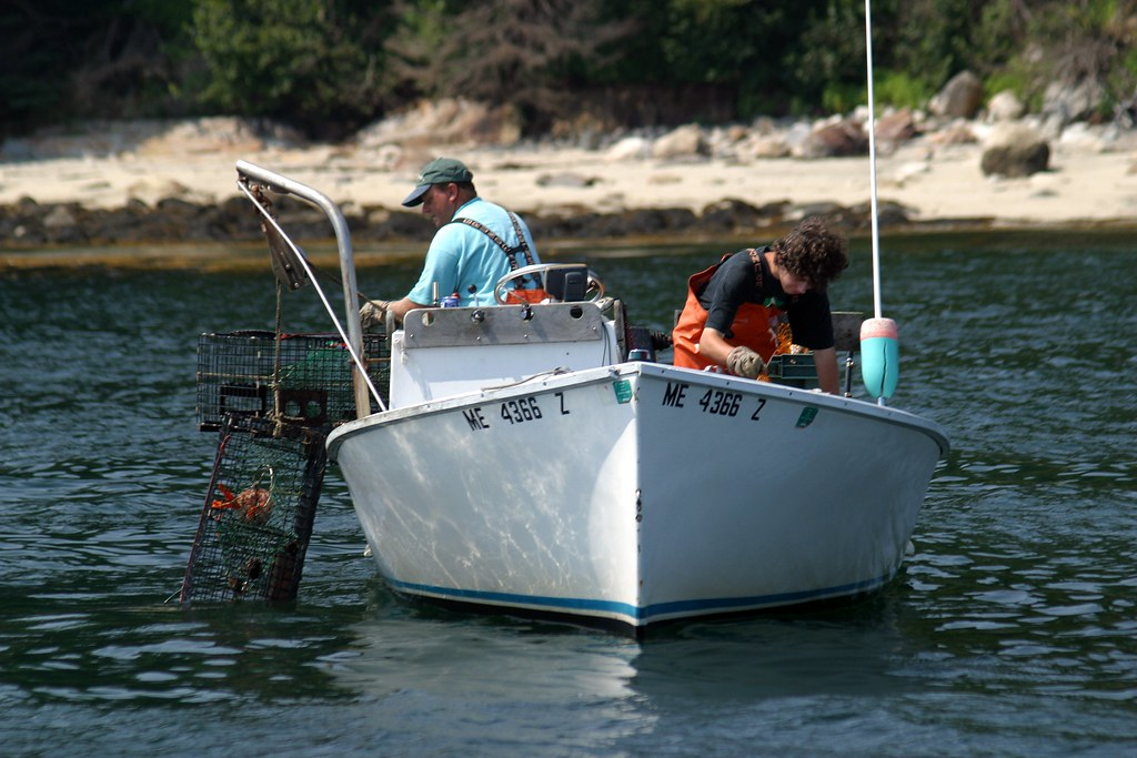 Small lobster fishing boat ii rob kleine flickr for Small fishing boats for sale
