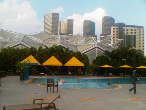 Marina mandarin singapore swimming pool marc guedj flickr for Pool garden marina mandarin