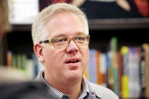 Glenn Beck book signing at Barnes & Noble, West Hartford ...
