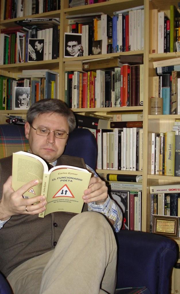 Lectura de sill n esta vez con uno de los primeros - Sillon de lectura ...
