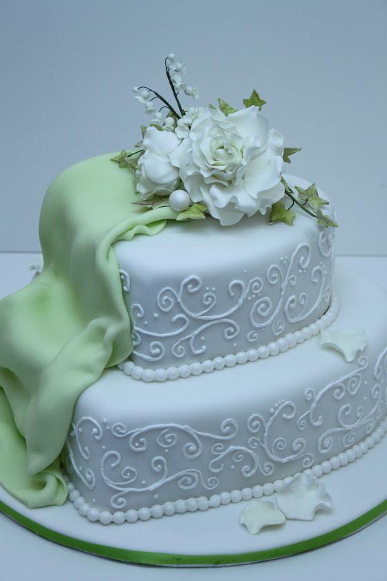 Hochzeitstorte Mit Arabeskenmuster Weiss Grune Drapierung Flickr