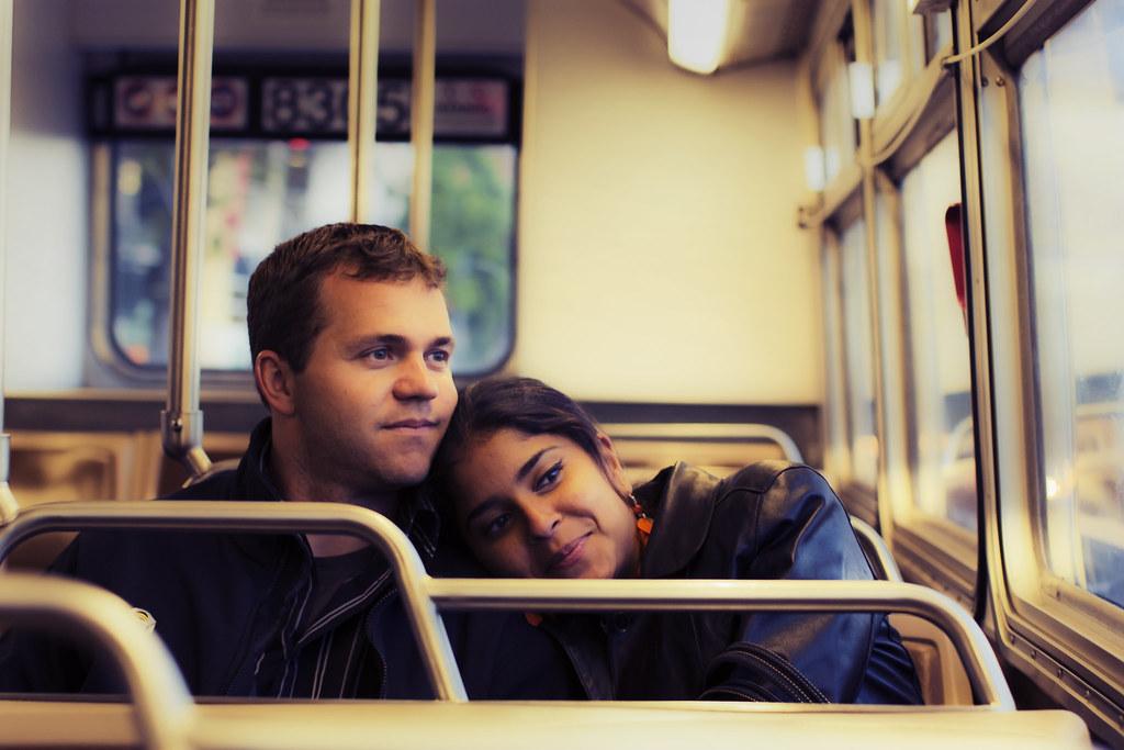 Пара в поезде фото