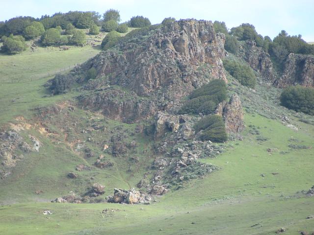 Sulfur springs mountain in vallejo ca usa camera facing for Landscaping rocks vallejo ca