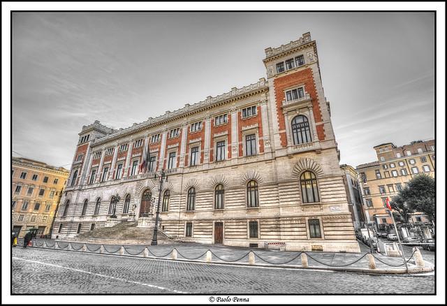 Piazza del parlamento roma italia nikon d3 with nikkor for Roma parlamento