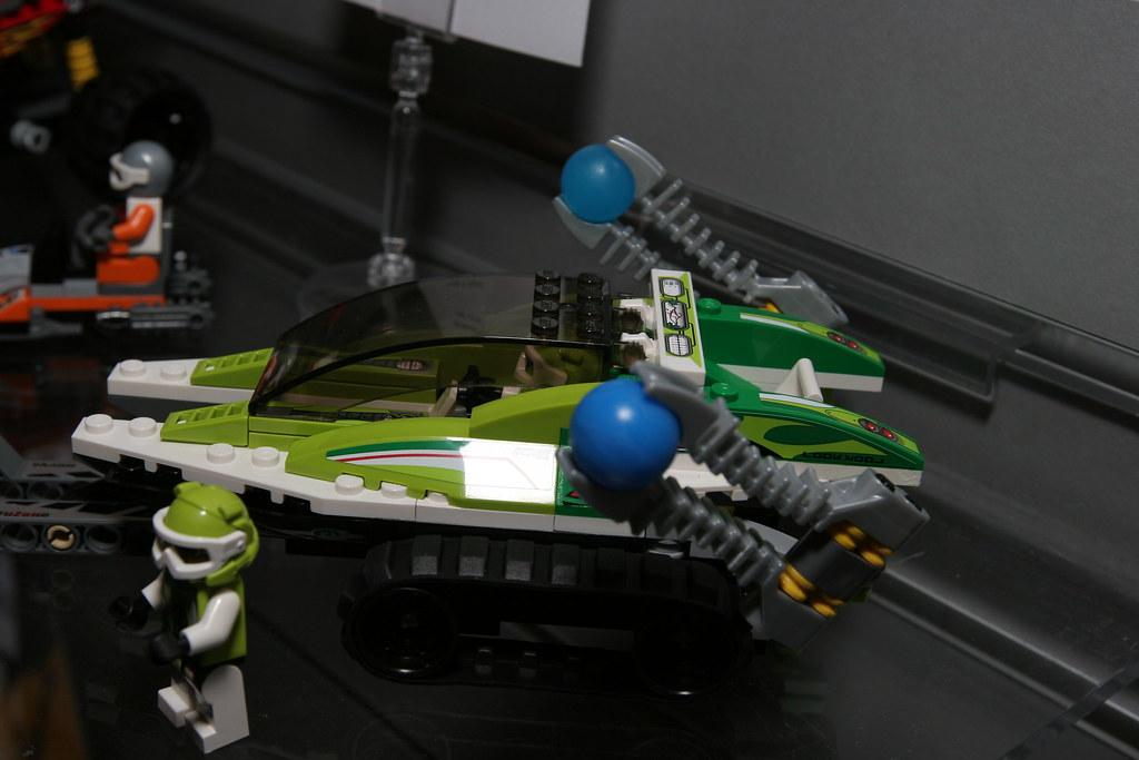 LEGO Toy Fair 2010 - World Racers - 8863 Ice Race - 10 | Flickr