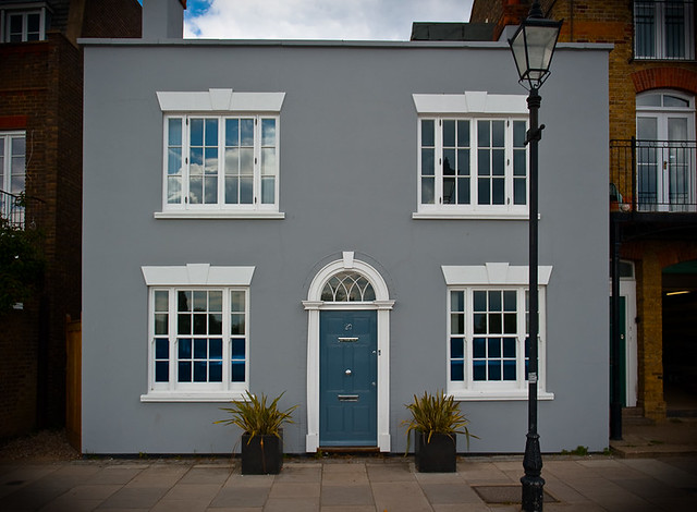Grey house thames path london by flickr photo sharing - Photo of houses ...