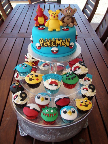 mossy 39 s masterpiece brock 39 s pokemon cake cupcakes flickr. Black Bedroom Furniture Sets. Home Design Ideas