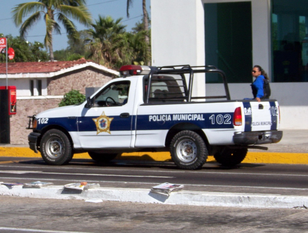mzt09m316 police pickup truck on del mar mazatl n mexico flickr. Black Bedroom Furniture Sets. Home Design Ideas