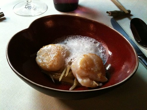 Yam'Tcha: Sea scallops with grated potatoes and dried bay scallop emulsion | by clotilde