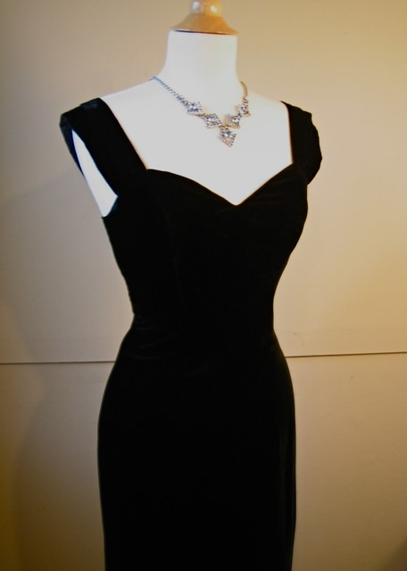 Vintage 1960 S Perfect Little Black Dress Black Silk Velve