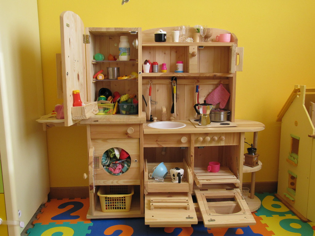 Play Kitchens For Small Spaces