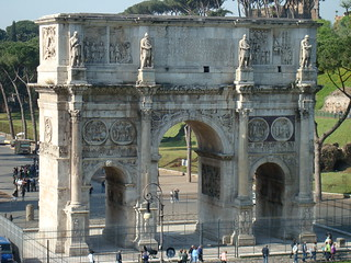 Arch of Constantine, next to the Colosseum | by kyredbutterfly