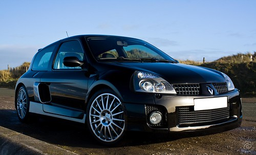 renault clio v6 sport first attempt at car photography su flickr. Black Bedroom Furniture Sets. Home Design Ideas