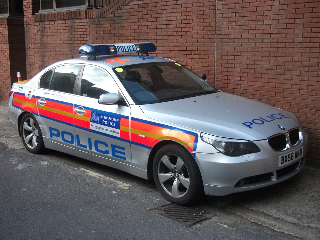 Bx56wnd Btl Metropolitan Police Co19 Bmw 5 Series Armed Re