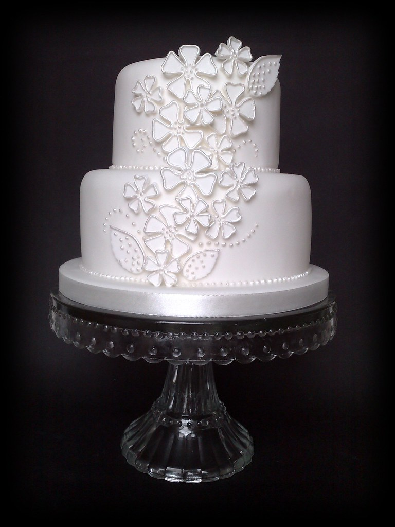 Applique Quot Dog Rose Quot Wedding Cake I Say Cake But This Is