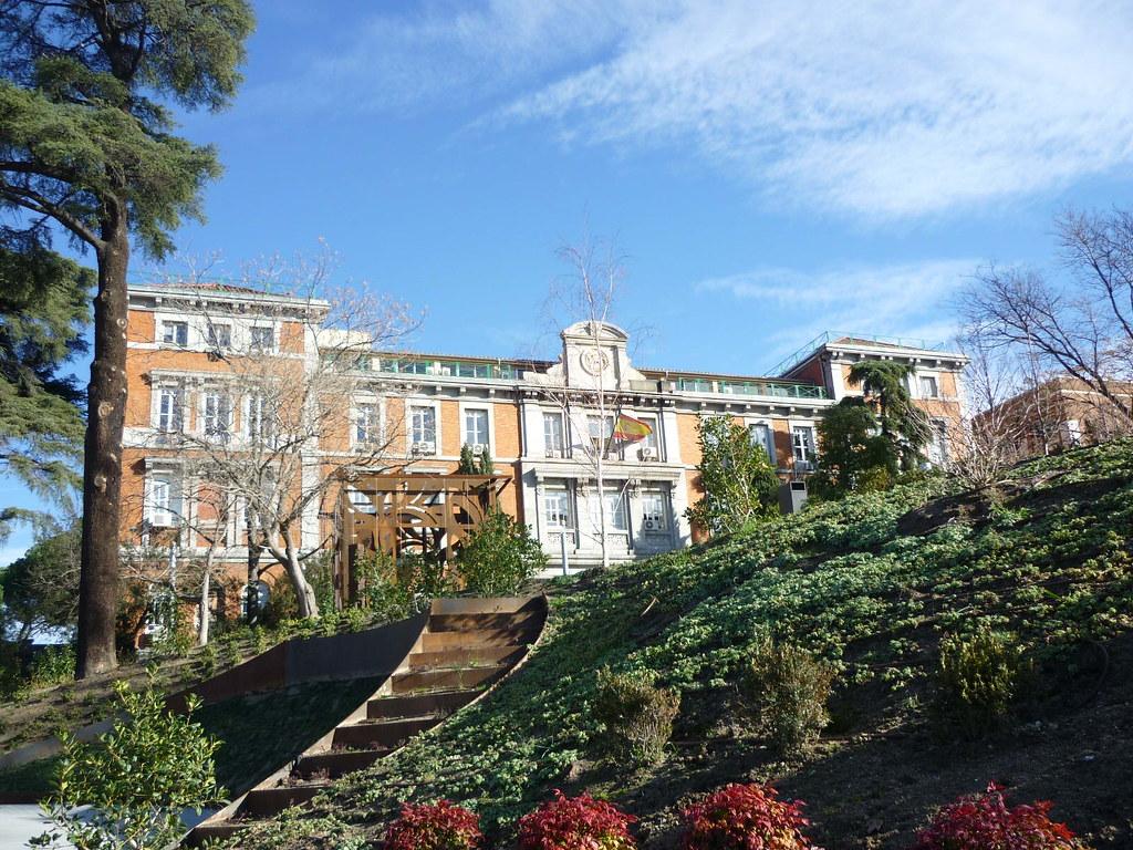 Madrid antigua escuela de ingenieros de caminos for Escuela de ingenieros