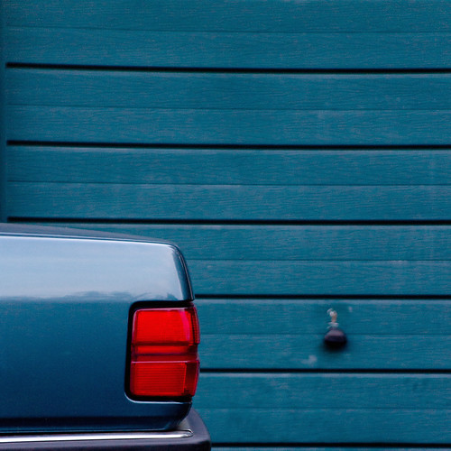 In Larkhall, they paint Garages to match my Car. (+2 inside) | by J e n s