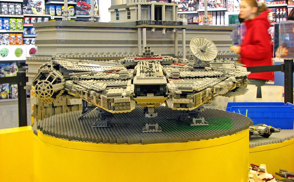 Lego Millenium Falcon, Lego Store - Downtown Disney, Walt …   Flickr